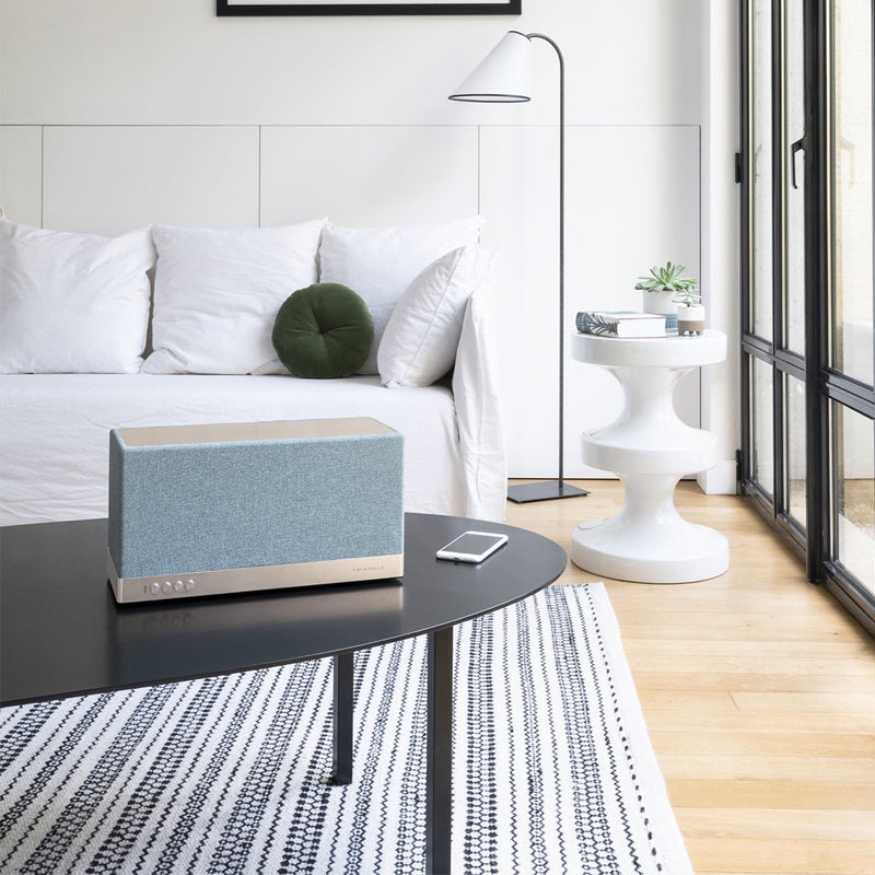 enceinte-connectee-triangle-bluetooth-wifi-hifi-aio3-bleu-lifestyle01