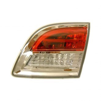 Mazda CX-9 07-09 PASSENGER SIDE TRUNK LIGHT