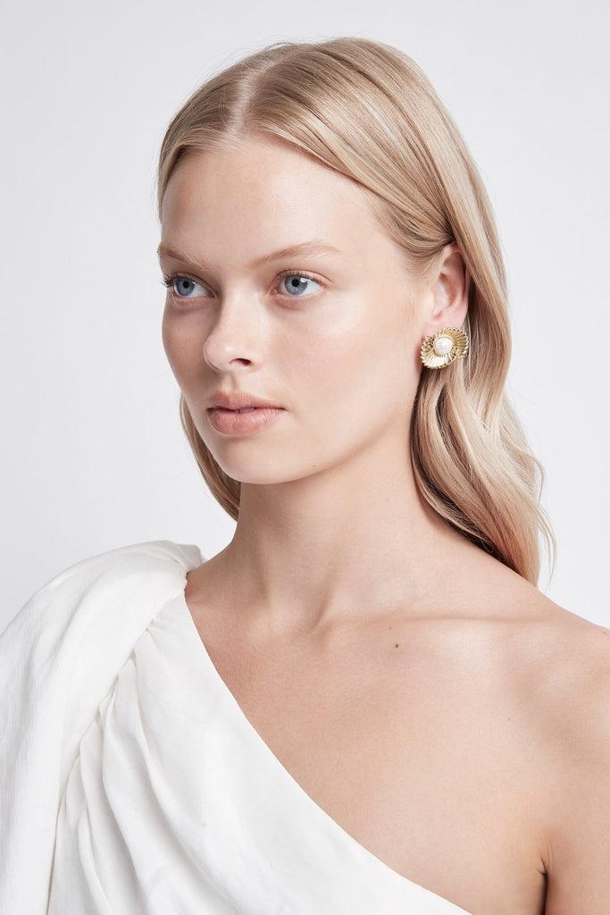 Form Stud Earrings