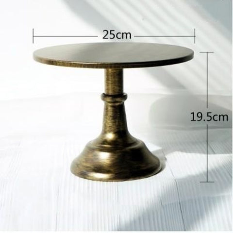Adjustable Height Grand Baker Cake Stand