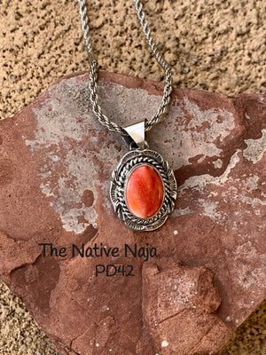 Dainty Navajo Roped Sterling Silver & Spiny Oyster Pendant PD42
