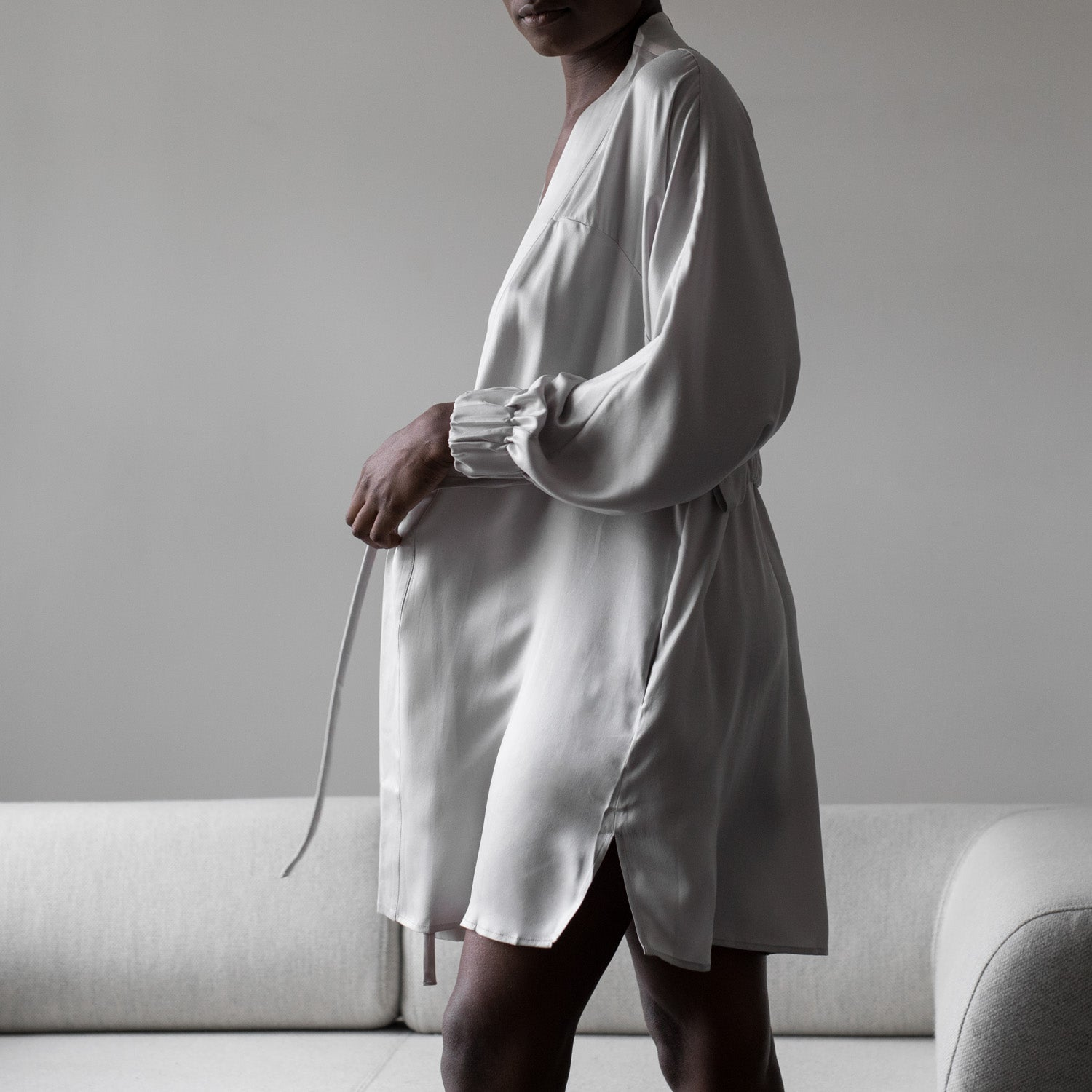 Lunya Sleepwear Washable Silk Robe in Cloud