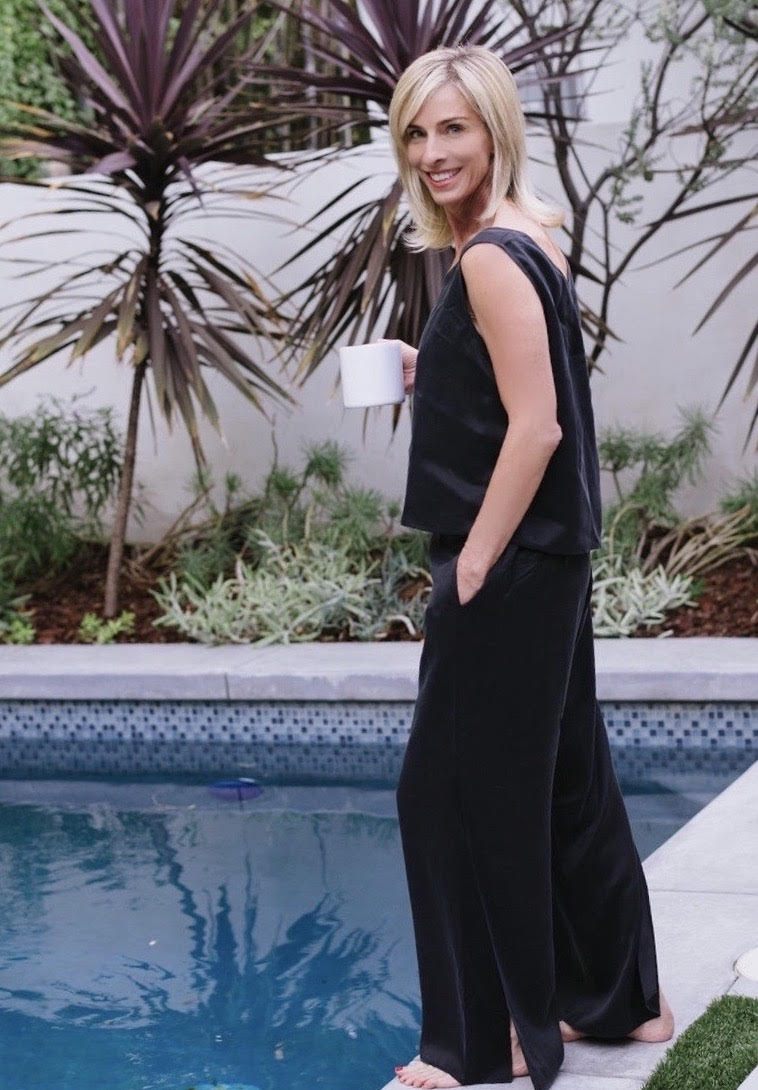 1d973edc4f1 Elissa wearing the Washable Silk Pant Set at home