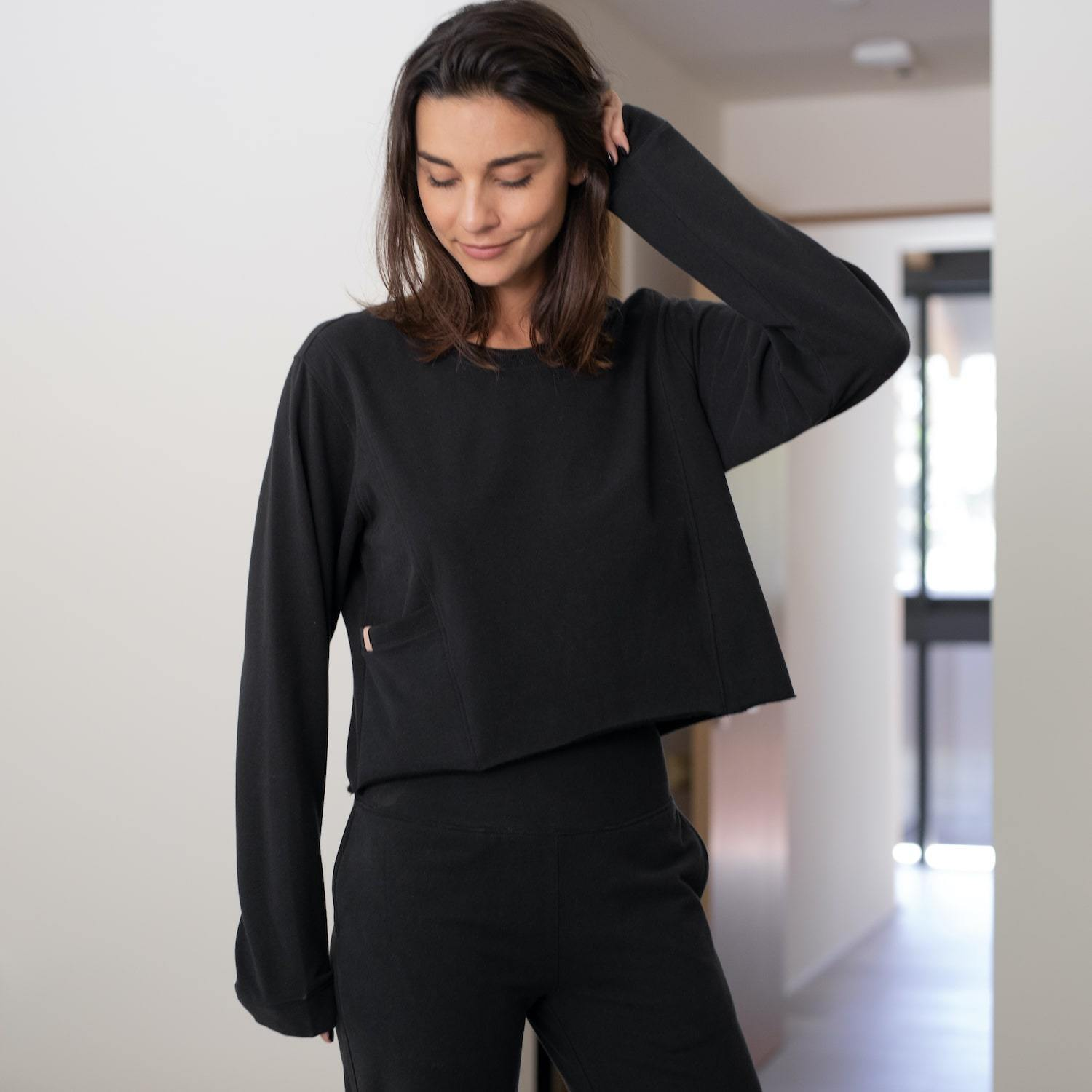 Lunya Sleepwear Cozy Pima Alpaca Fleece Crop Sweatshirt - #Black