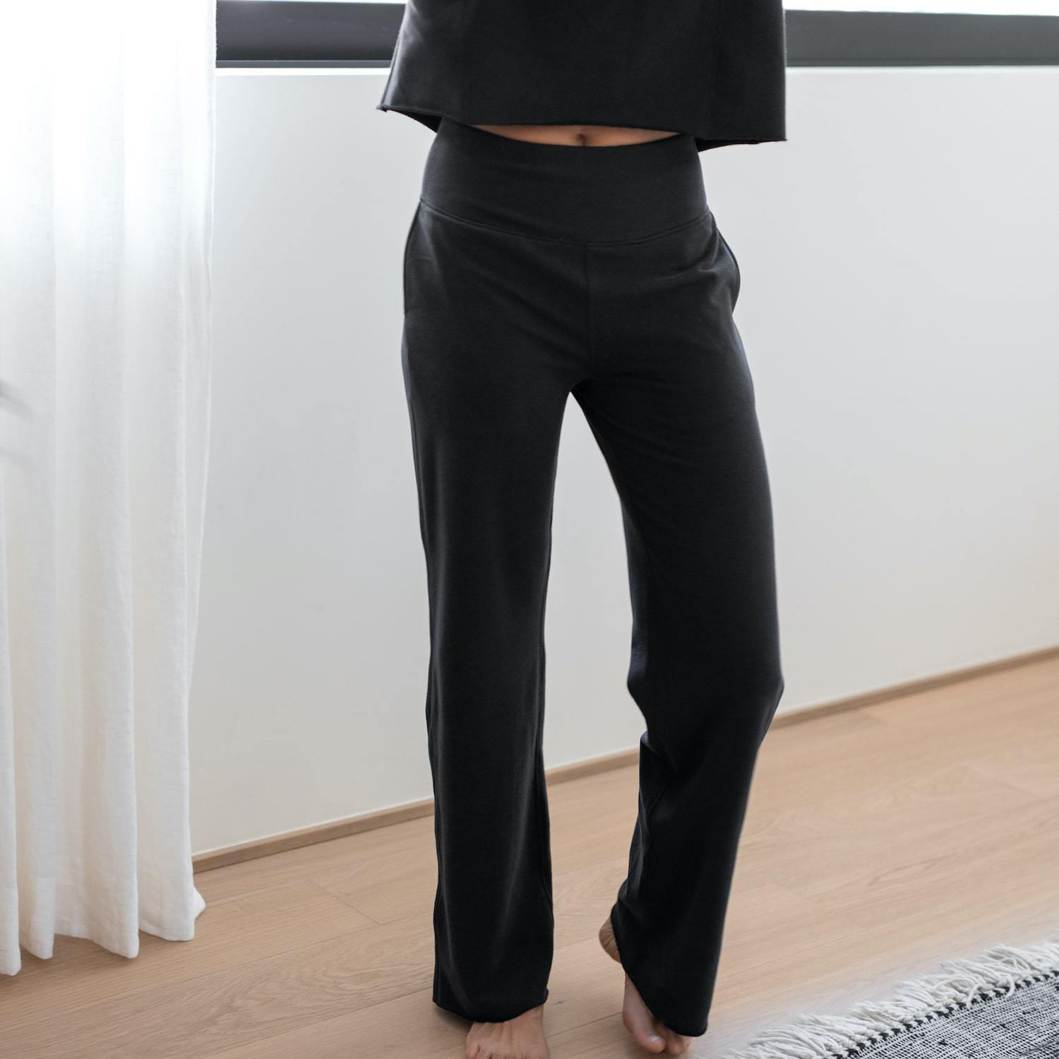 Lunya Sleepwear Cozy Pima Alpaca Fleece High Rise Sweatpant - #Black