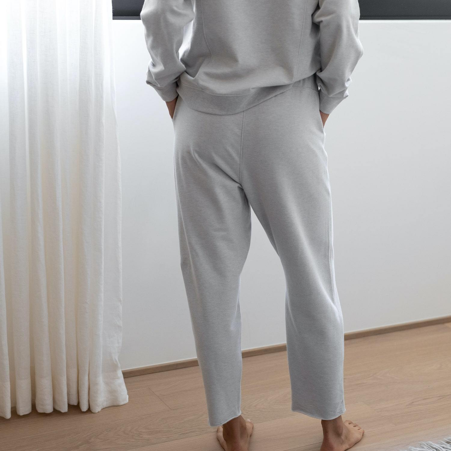 Lunya Sleepwear Cozy Pima Alpaca Fleece Relaxed Jogger - #Cloud