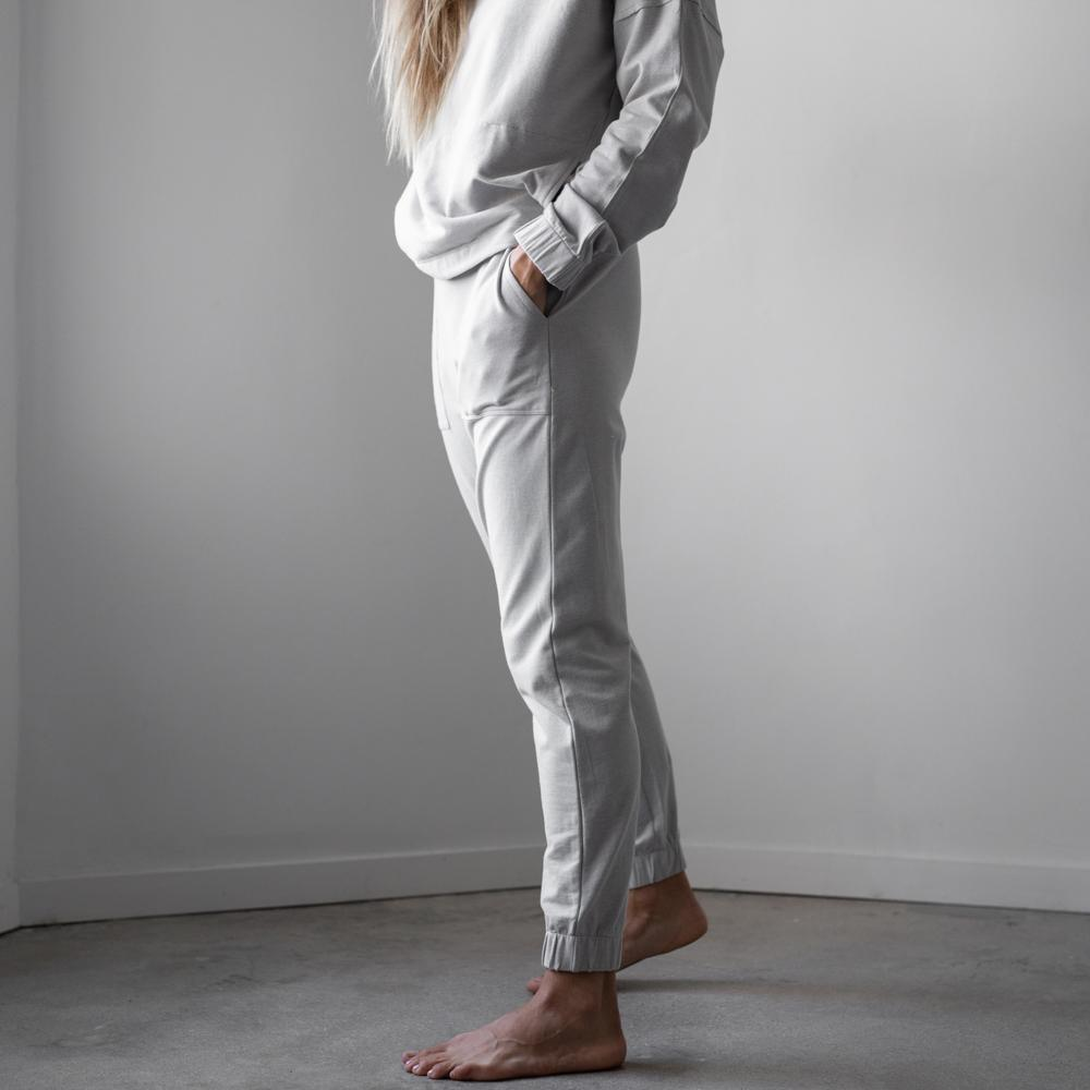 Lunya Sleepwear Cozy Pima Alpaca Fleece Jogger - #Cloud