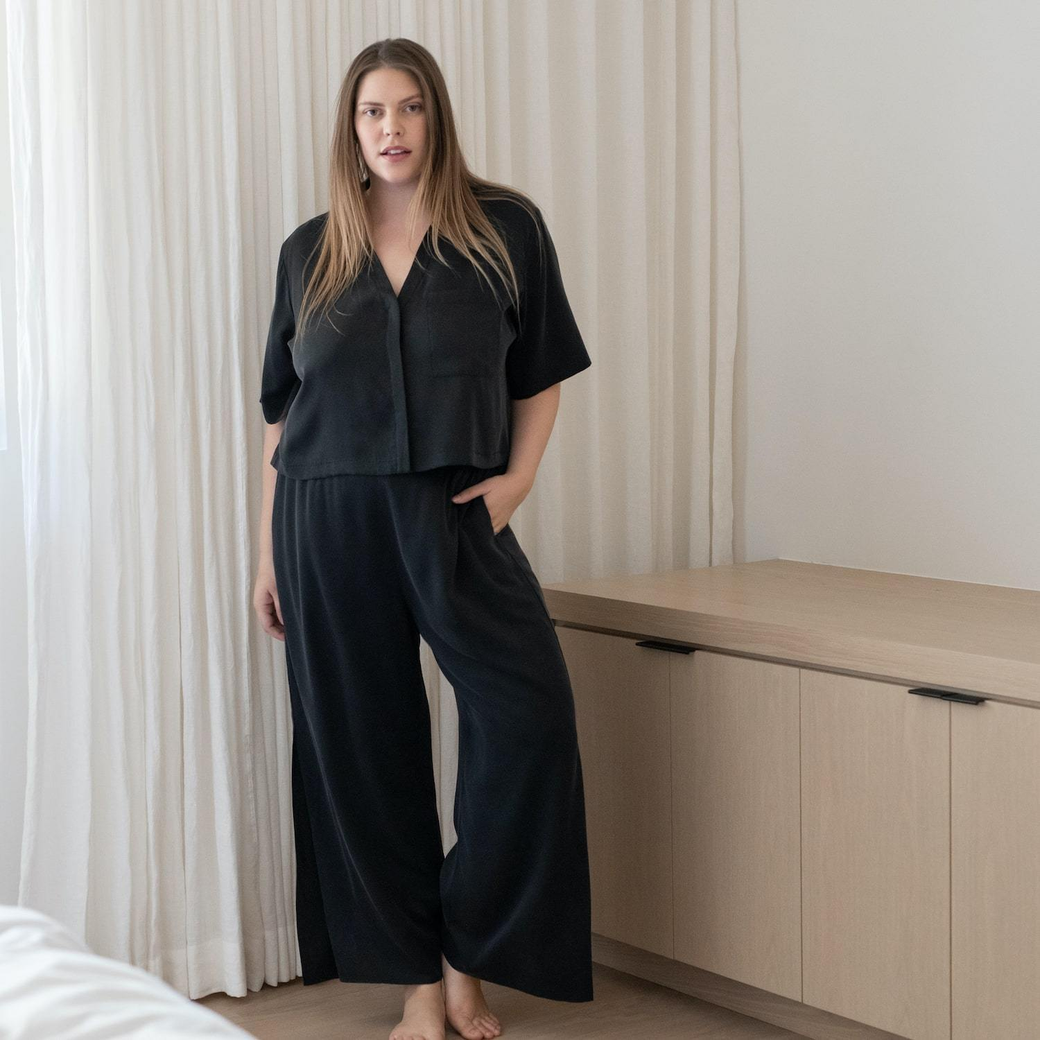 Lunya Sleepwear Washable Silk Button Down Pant Set - #Black - Size:XL2,XL3@back