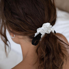 Lunya Sleepwear Washable Silk Scrunchie - #Tranquil White/Immersed Black