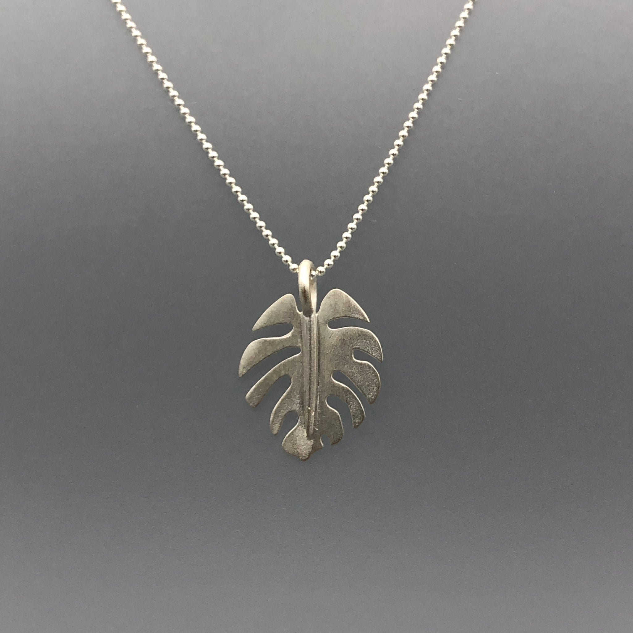 Mini-Monstera Pendants