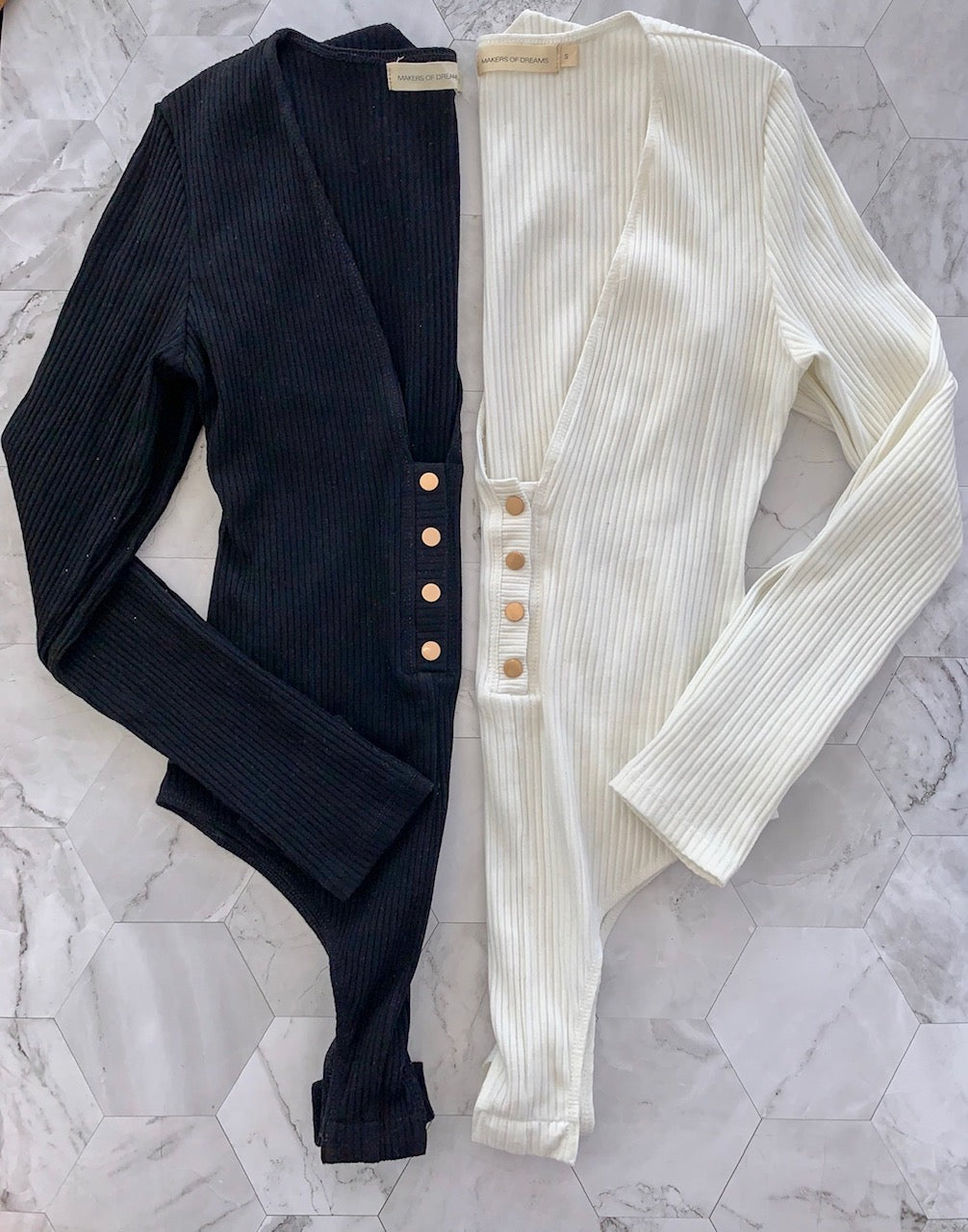 Snap Button V-neck Body Suit Longsleeve