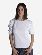 Laden Sie das Bild in den Galerie-Viewer, WHITE T-SHIRT