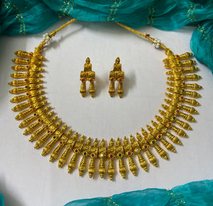 Antique necklace NKC671