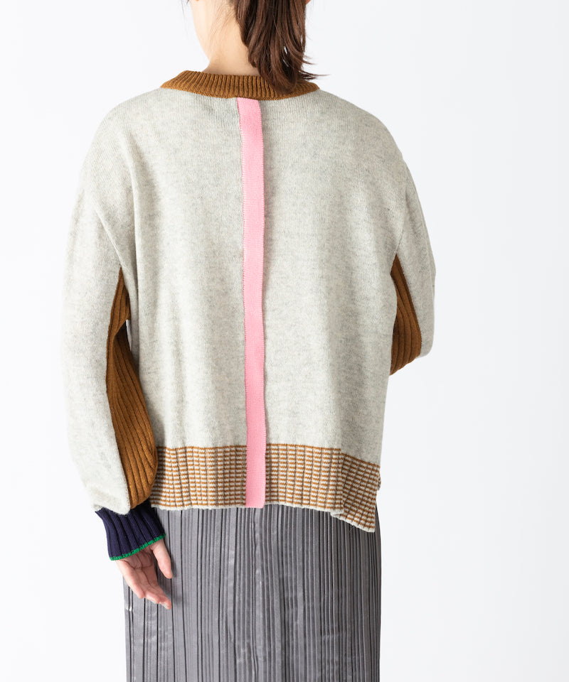 CENTER FRILL SWEATER