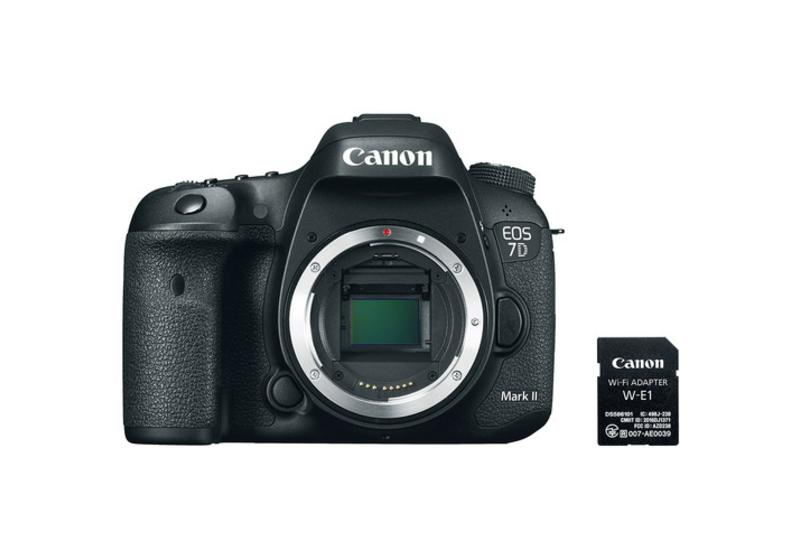 Canon EOS 7D Mark II with W-E1