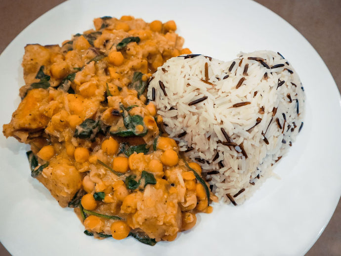 Healthy coconut chickpea & sweet potato curry