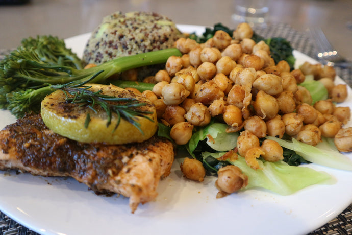 Rosemary spiced salmon & chickpeas with kale & quinoa