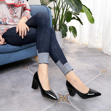 Shallow Mouth Pointed toe High Heels