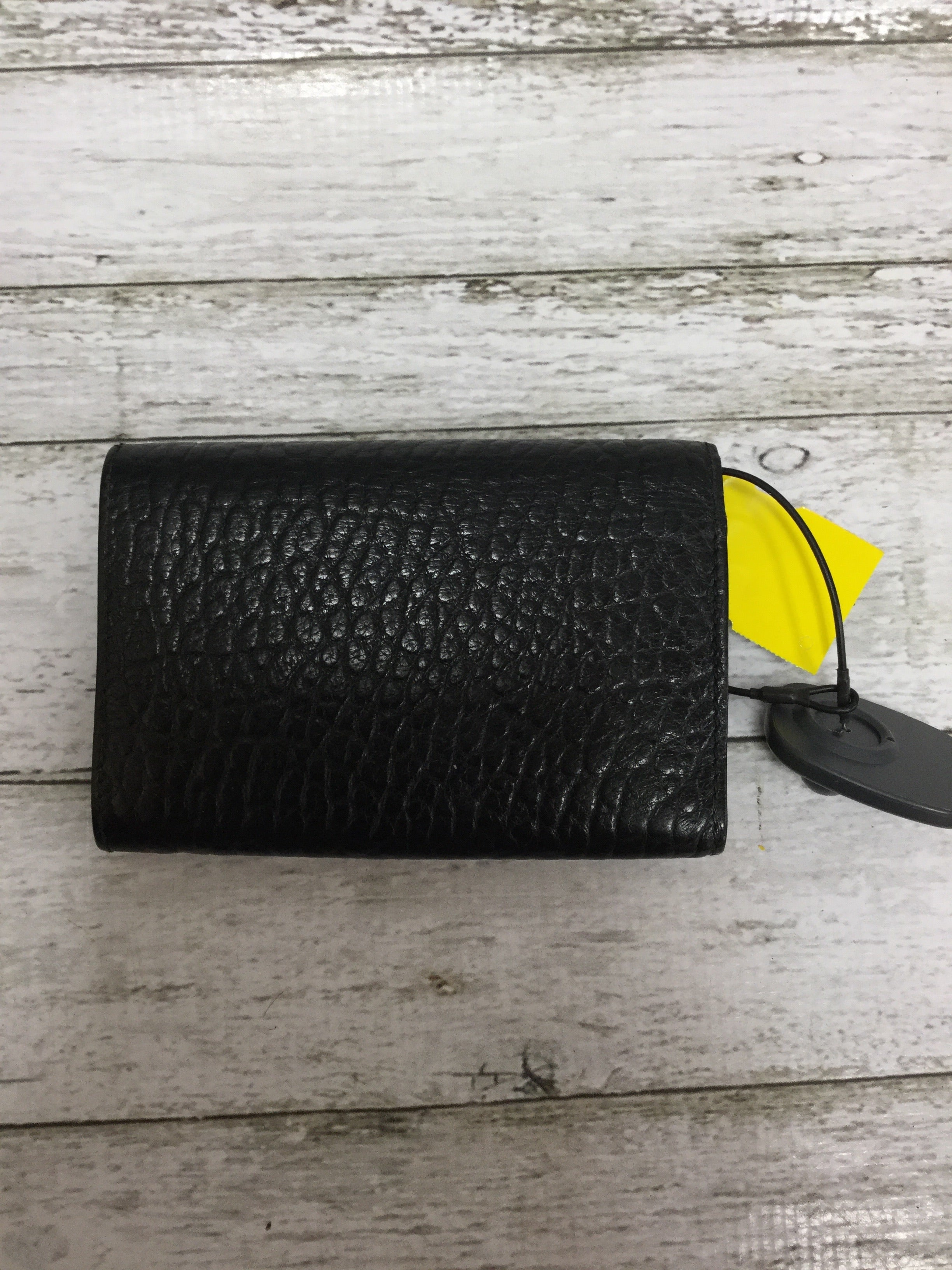 Photo #2 - <P>BRAND: BURBERRY , STYLE: WALLET , COLOR: BLACK , SIZE: SMALL , SKU: 127-4942-2331</P> <P>THIS BURBERRY WALLET IS VERY GENTLY USED AND IN GREAT CONDITION. IT HAS SEVERAL CARD SLOTS AND SPACE FOR BOTH CHANGE AND CASH. </P>