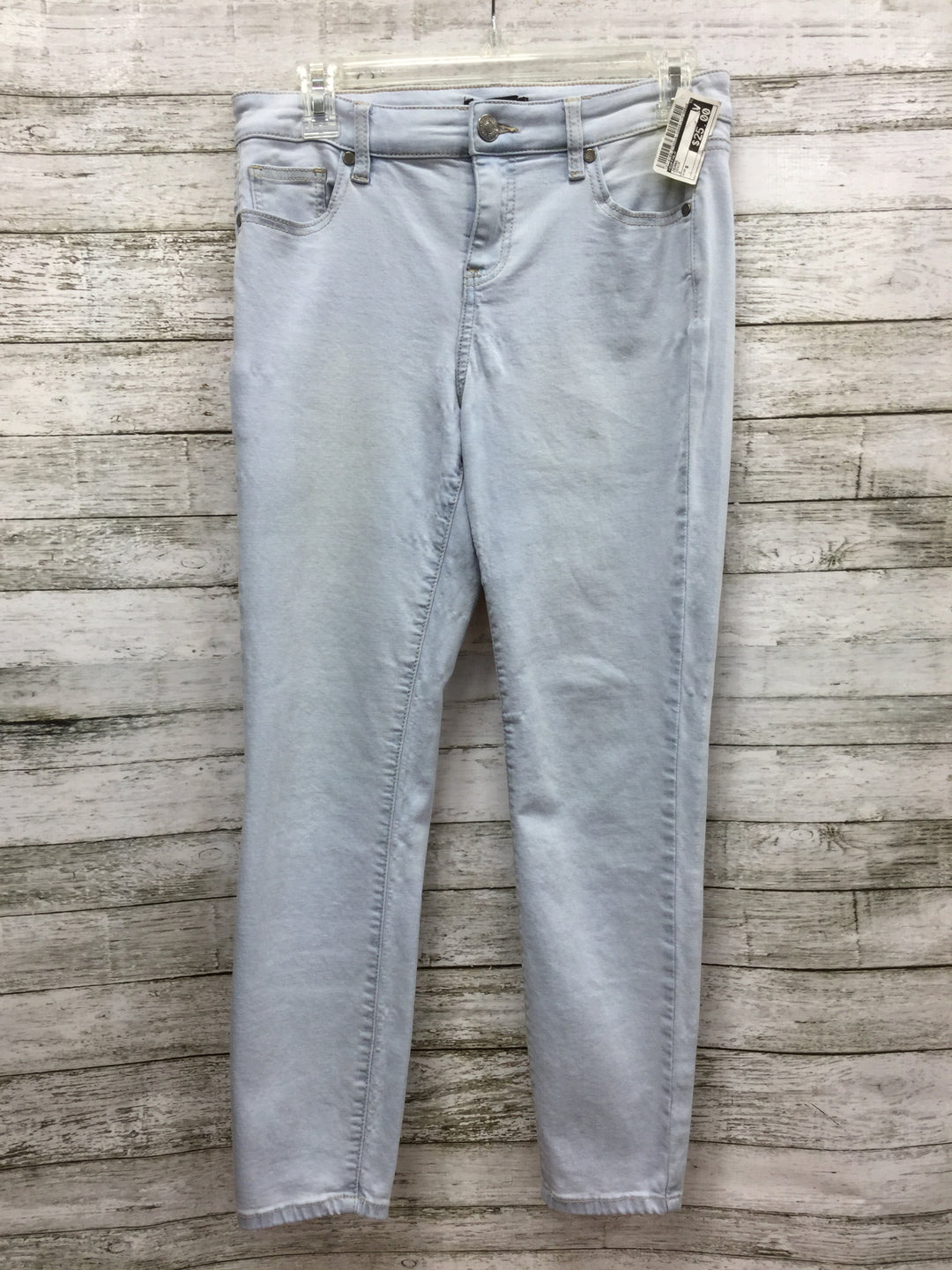 Primary Photo - BRAND: BUFFALO , STYLE: JEANS , COLOR: DENIM , SIZE: 6 , SKU: 127-4169-27909, , LIGHT WASH JEANS IN GOOD CONDITION WITH SOME MINOR WEAR.