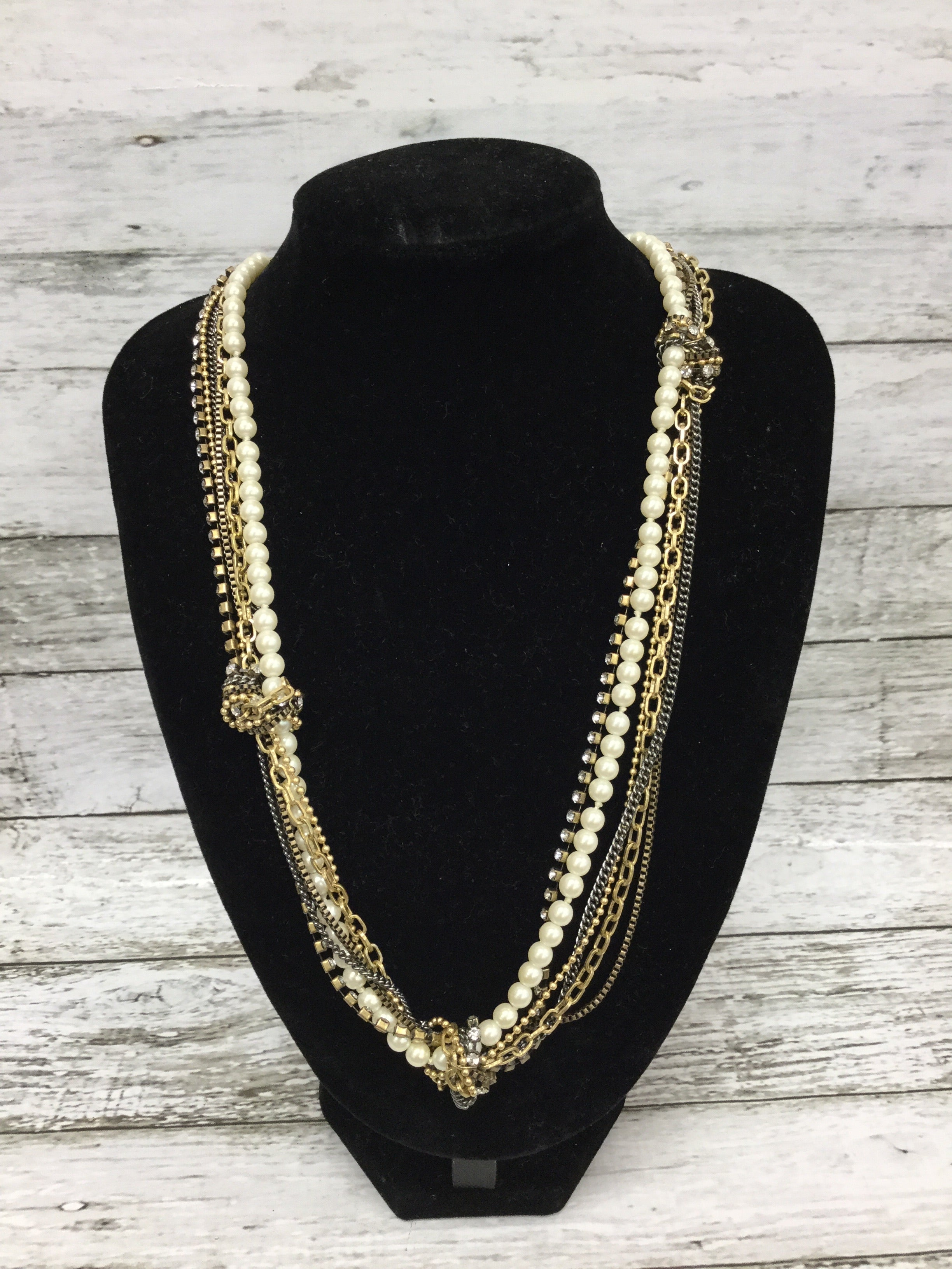 Primary Photo - BRAND: J CREW , STYLE: NECKLACE , COLOR: GOLD , SKU: 127-2767-89764, , GOLD AND PEARL J CREW NECKLACE IN GREAT CONDITION!