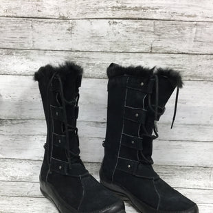 Primary Photo - BRAND: NORTHFACE STYLE: BOOTS ANKLE COLOR: BLACK SIZE: 6 OTHER INFO: AS IS SKU: 127-4954-1734BLACK NORTH FACE BOOTS WITH FUR TRIM! SILVER ACCENTS WITH MINIMAL WEAR TO SOLE.