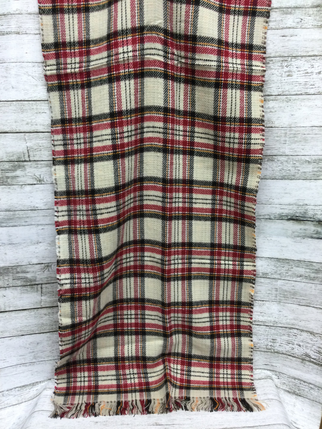 Photo #1 - brand:    cmd , style: scarf winter , color: plaid , sku: 127-3371-51766