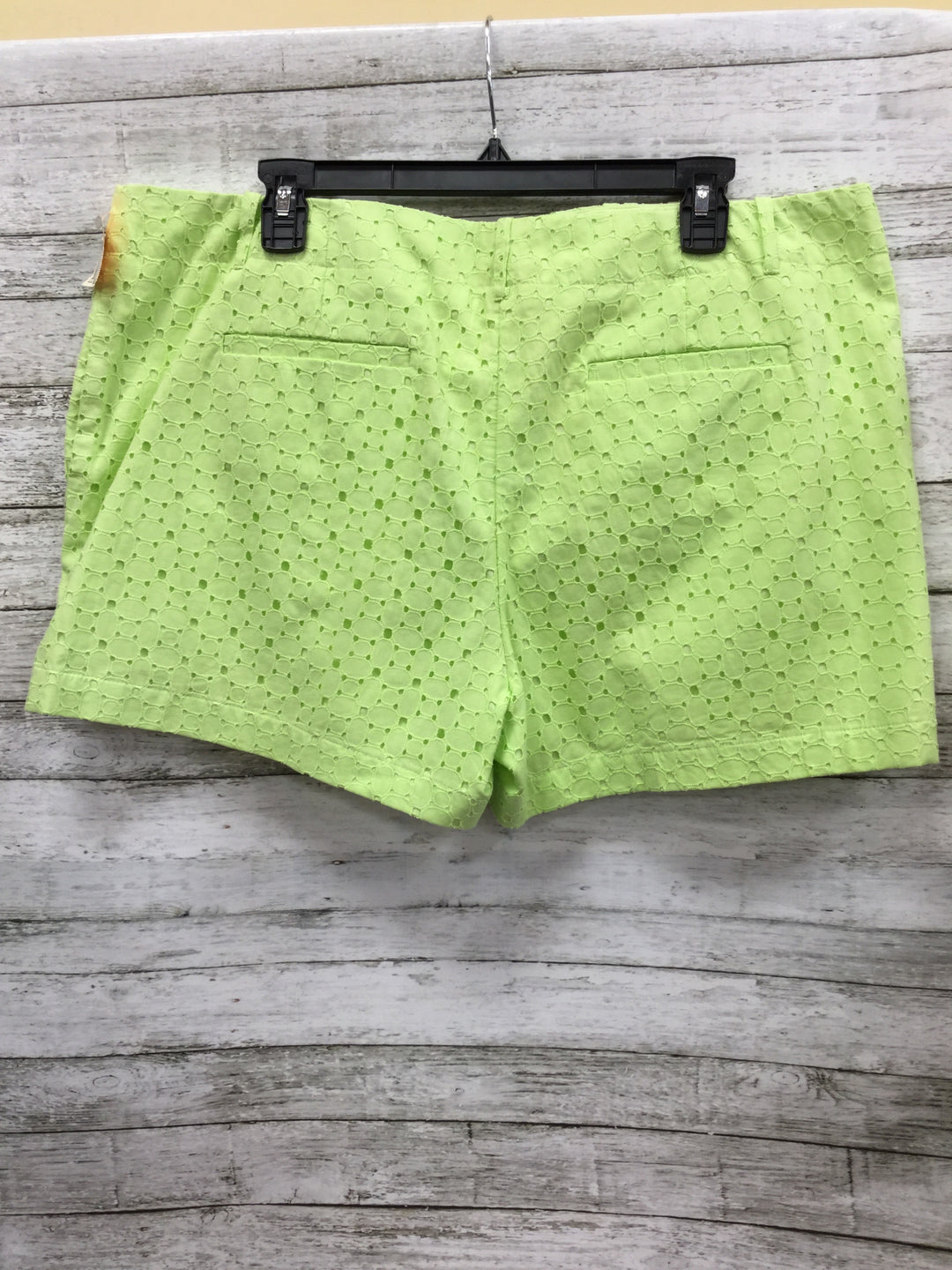 Photo #1 - BRAND: NEW YORK AND CO O , STYLE: SHORTS , COLOR: LIME GREEN , SIZE: 16 , SKU: 127-2767-80128