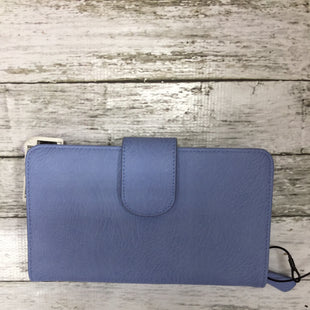 Primary Photo - BRAND:    CMD STYLE: WALLET COLOR: PERIWINKLE SIZE: LARGE SKU: 127-4008-9086R