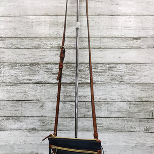 Primary Photo - BRAND: DOONEY AND BOURKE STYLE: HANDBAG DESIGNER COLOR: NAVY SIZE: SMALL SKU: 127-4876-6885THIS CROSSBODY HAS TWO ZIPPER POCKETS ON THE FRONT. THE CROSSBODY STRAP IS ADJUSTABLE. THE BAG IS IN GREAT CONDITION.