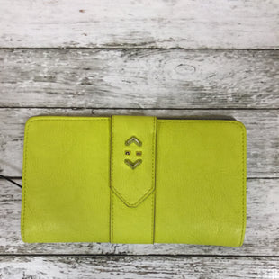 Primary Photo - BRAND: STELLA AND DOT STYLE: WALLET COLOR: LIME GREEN SIZE: MEDIUM SKU: 127-3371-35417