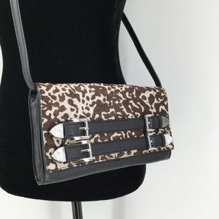 Animal Print Michael Kors Small Crossbody  - THIS BEAUTIFUL MICHAEL KORS CROSSBODY INCLUDES CARD SLOTS AND A ZIPPER POUCH INSIDE. IT IS IN EXCELLENT CONDITION WITH LITTLE TO NO WEAR..