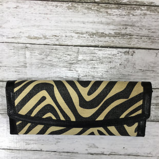 Primary Photo - BRAND:    CMD STYLE: WALLET COLOR: ANIMAL PRINT SIZE: MEDIUM SKU: 127-4559-11567