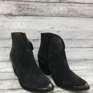 Primary Photo - BRAND:    CMD STYLE: BOOTS ANKLE COLOR: CHARCOAL SIZE: 8.5 OTHER INFO: JEFFREYCAMPBELL - SKU: 127-4876-8462CHARCOAL COLORED JEFFREY CAMPBELL BOOTIES WITH SUEDE AND SMOOTH LEAT HER! BEAUTIFUL SILVER DETAILS ON HEEL AND POINTED TOE, WITH A BLOCK HEEL AND SIDE ZIPPERS.