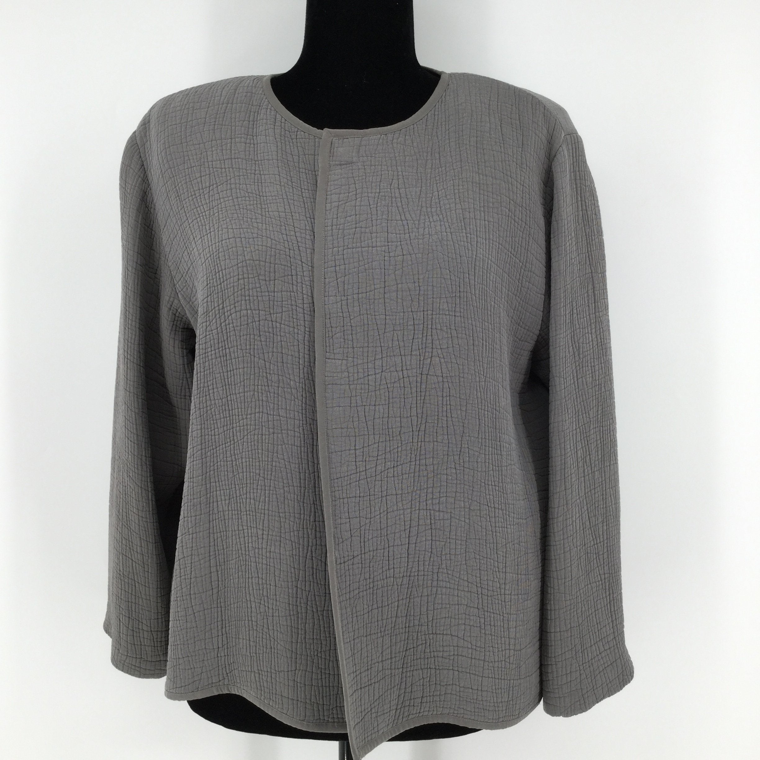 Eileen Fisher Blazer, Grey, Size: Medium - <P>THIS EILEEN FISHER BLAZER IS IN VERY GOOD CONDITION. IT CLOSES WITH A MAGNET AT THE TOP AND HAS SHOULDER PADS INSIDE.</P>