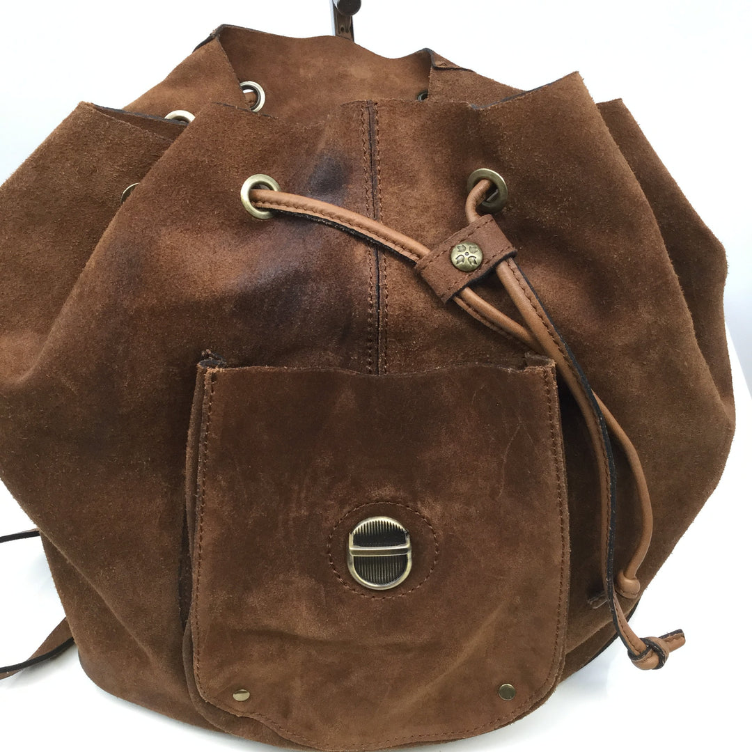 PATRICIA NASH BACKPACK SIZE:LARGE - <P>NEW WITH TAGS PATRICIA NASH BROWN SUEDE BACKPACK. DRAWSTRING AND BUCKLE CLOSURES. OUTSIDE POCKET.</P>