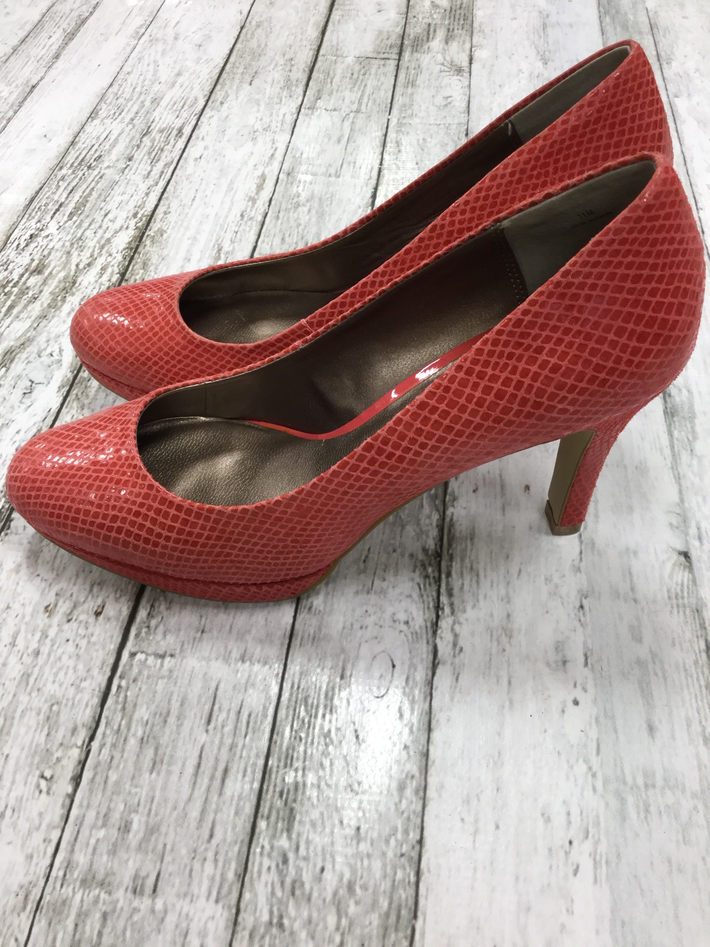 Photo #1 - BRAND:    CMD , STYLE: SHOES HIGH HEEL , COLOR: CORAL , SIZE: 11 , OTHER INFO: MODA SPANA - , SKU: 127-4169-31043