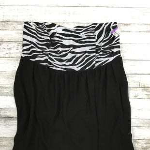 Primary Photo - BRAND: TORRID STYLE: TOP SLEEVELESS COLOR: BLACK WHITE SIZE: 3X SKU: 127-3371-37794