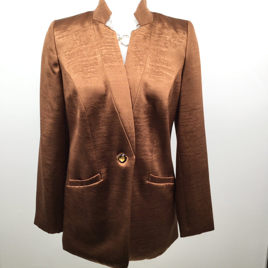 Chicos Blazer Jacket Size:0 - <P>CHICOS NEW WITH TAGS BLAZER JACKET. GREAT FOR THE HOLIDAYS! CHICOS SIZE 00.</P>