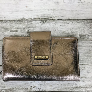 Primary Photo - BRAND: KENNETH COLE REACTION STYLE: WALLET COLOR: SILVER SIZE: LARGE SKU: 127-3371-41751