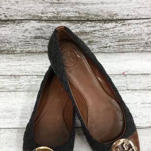 Primary Photo - BRAND: TORY BURCH STYLE: SHOES FLATS COLOR: CHARCOAL SIZE: 8 OTHER INFO: AS IS SKU: 127-4876-7476THESE TORY BURCH SHOES ARE SO CUTE! IN GOOD CONDITION WITH SOME WEAR ON THE INSIDE AND BOTTOM.