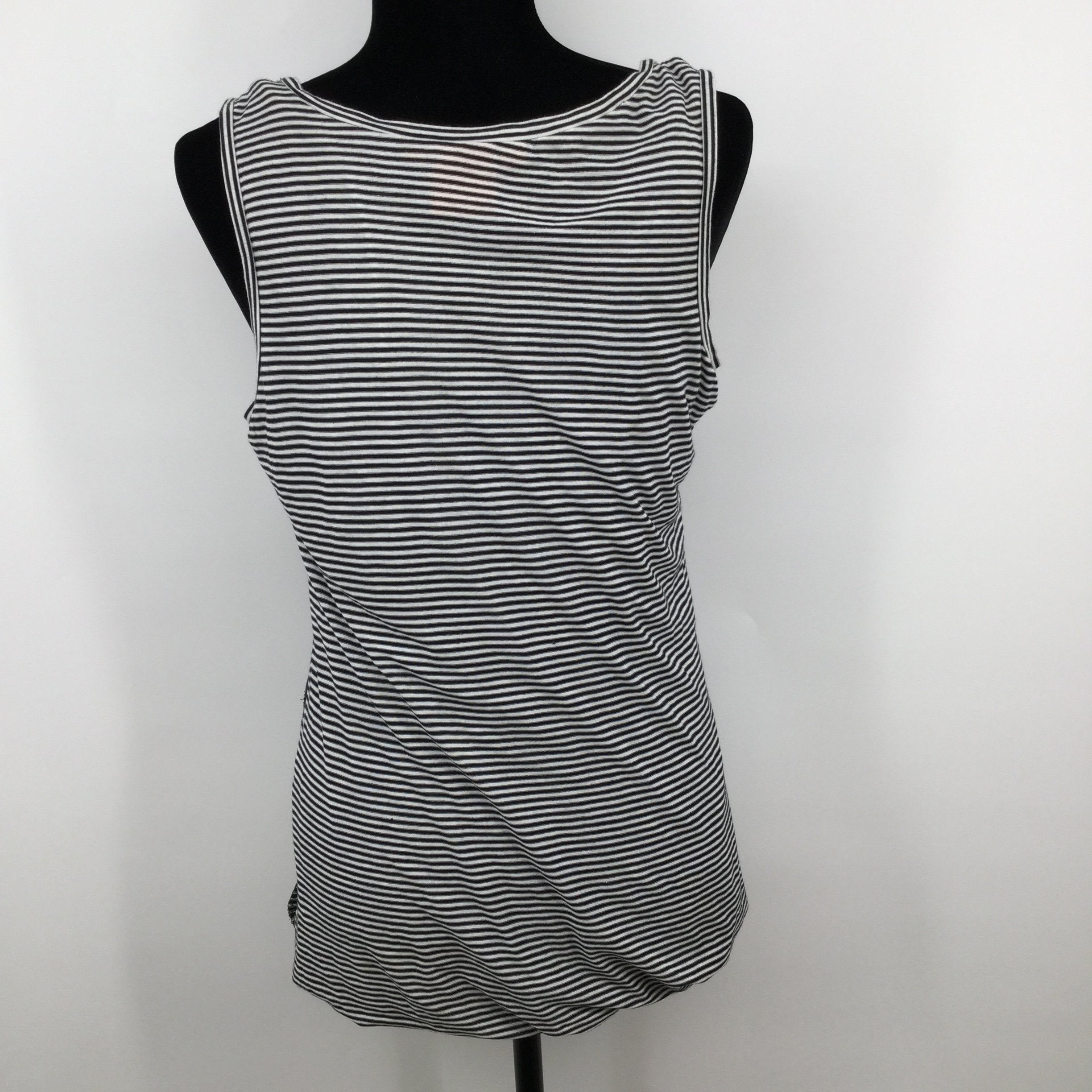 Tory Burch Sleeveless Top Size Small - <P>PAIR UP YOUR SUMMER DENIM WITH THIS CUTE BASIC STRIPED TORY BURCH SLEEVELESS TOP.</P>