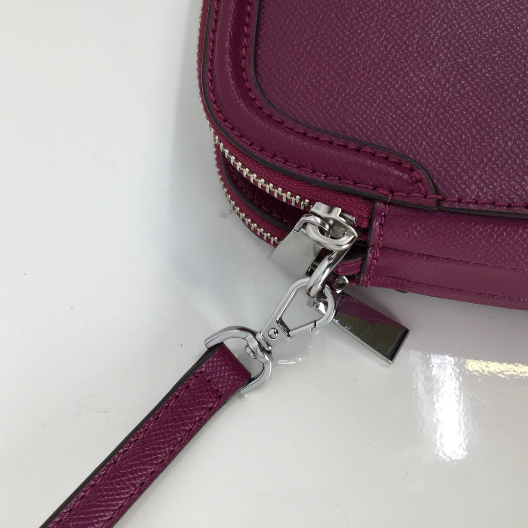 Michael Kors Handbag Designer, Leather, Magenta, Size:Small - <P>THIS BAG IS GREAT FOR ALL MICHAEL KORS FANS! THIS STUNNING MAGENTA CROSSBODY IS GREAT FOR ANY SEASON. THE OUTSIDE OF THE BAG IS IN GREAT CONDITION. A MINOR INK STAIN INSIDE IS THE ONLY CONDITION ISSUE.</P>