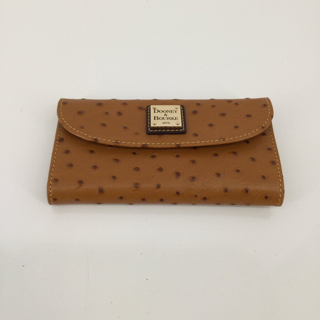 Dooney And Bourke Wallet, Leather, Tan, Size:Small - <P>TAN DOONEY AND BOURKE WALLET. GREAT CONDITION WITH VERY LITTLE WEAR.</P>