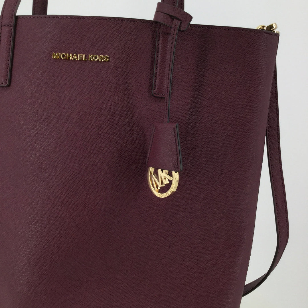 Michael Kors Designer Handbag, Leather, Burgundy, Size: Large - <P>THIS LARGE MICHAEL KORS BAG FEATURES SHOULDER STRAPS AND AN ADJUSTABLE CROSSBODY STRAP. IT IS IN VERY GOOD CONDITION WITH LITTLE TO NO WEAR. DUST BAG INCLUDED.</P>