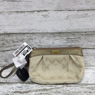 Primary Photo - BRAND: COACHSTYLE: WRISTLET COLOR: GOLD OTHER INFO: NEW! SKU: 127-3371-46215THIS COACH WRISTLET HAS THE ORIGINAL TAGS STILL ATTACHED. IT IS IN GOOD CONDITION AND VERY CLEAN. THERE IS SOME MINOR WEAR ON THE LEATHER.
