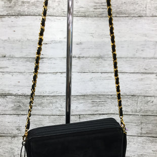 Primary Photo - BRAND: ST. JOHN STYLE: HANDBAG COLOR: BLACK SIZE: SMALL SKU: 127-2767-92289THIS ST. JOHN BAG HAS SOME WEAR AROUND THE EDGES BUT IS GENERALLY IN GOOD CONDITION.