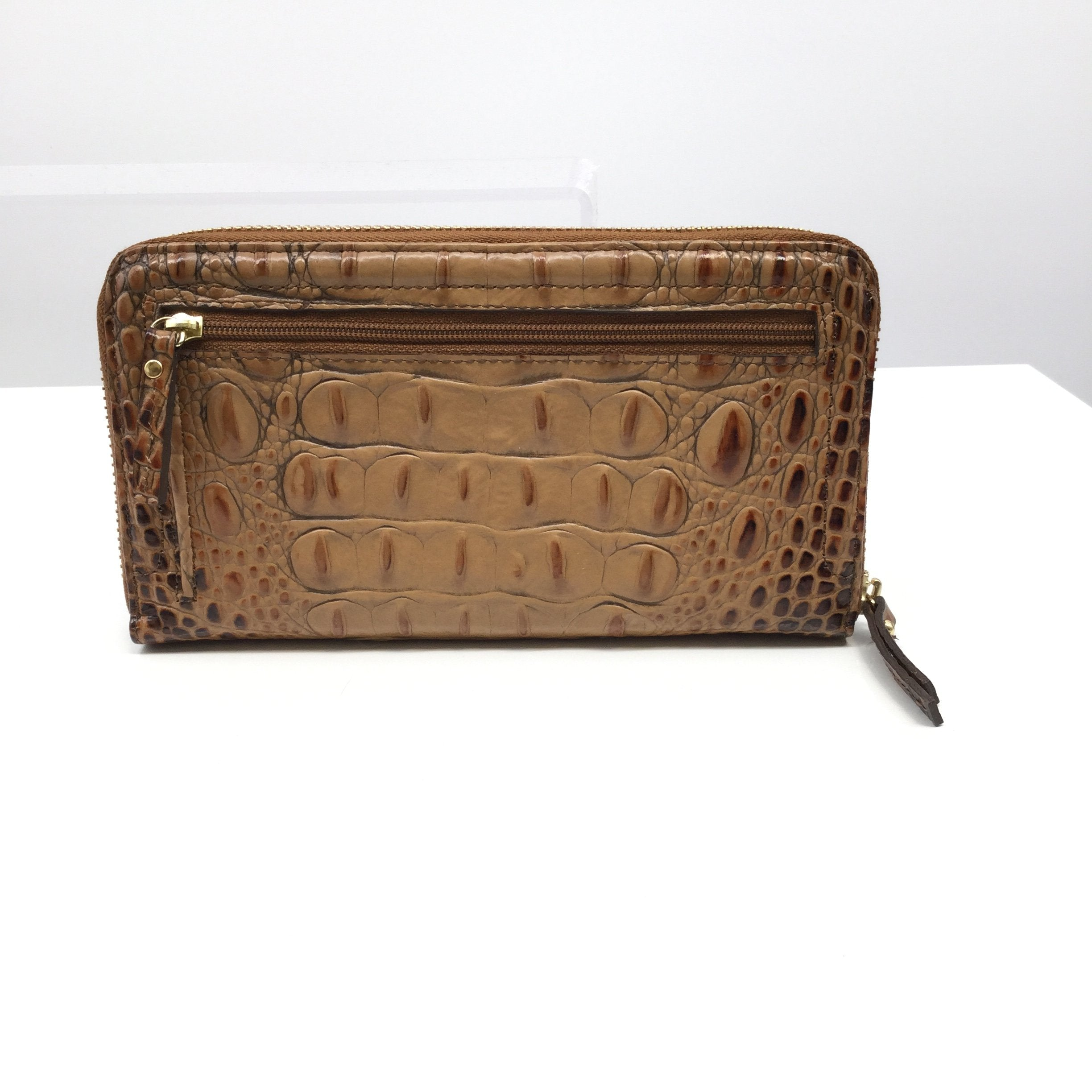 Brown Brahmin Wallet - <P>BROWN MEDIUM SIZED BRAHMIN WALLET. GOLD HARDWARE AND TWELVE CARD HOLDER POCKETS AS WELL AS A CLEAR ID HOLDER. INSIDE ZIPPER COMPARTMENT AND OUTSIDE ZIPPER COMPARTMENT.</P>