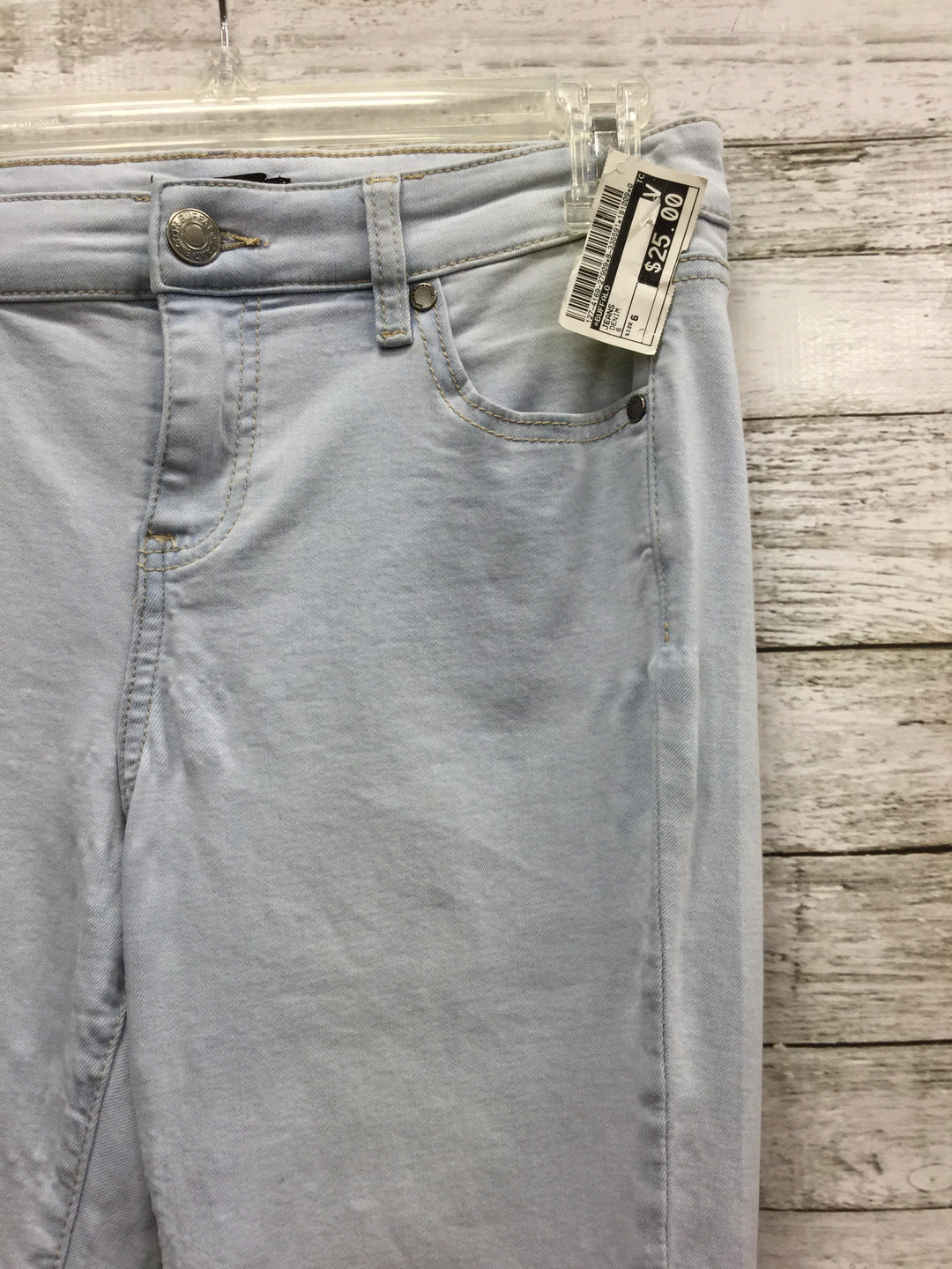 Photo #1 - BRAND: BUFFALO , STYLE: JEANS , COLOR: DENIM , SIZE: 6 , SKU: 127-4169-27909, , LIGHT WASH JEANS IN GOOD CONDITION WITH SOME MINOR WEAR.
