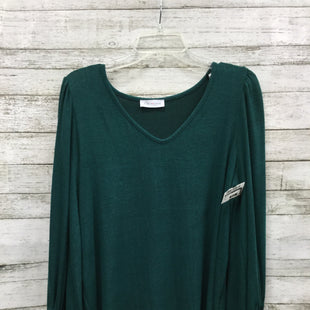 Primary Photo - BRAND: FIRST LOVE STYLE: TOP LONG SLEEVE COLOR: GREEN SIZE: S SKU: 127-3371-43710WIDE SLEEVE TOP IN GOOD CONDITION.